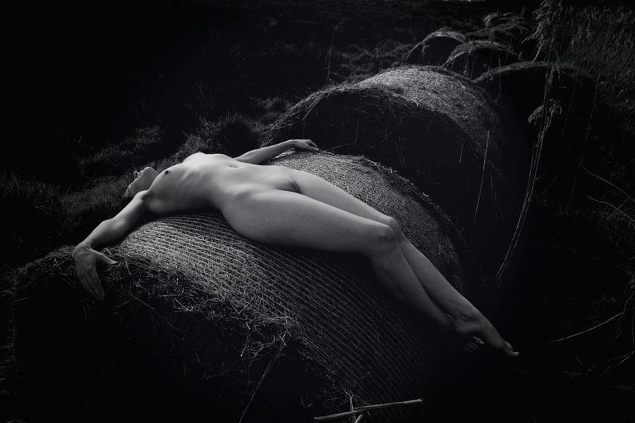 картинки мистическая эротика сцены насилия, изнасилований